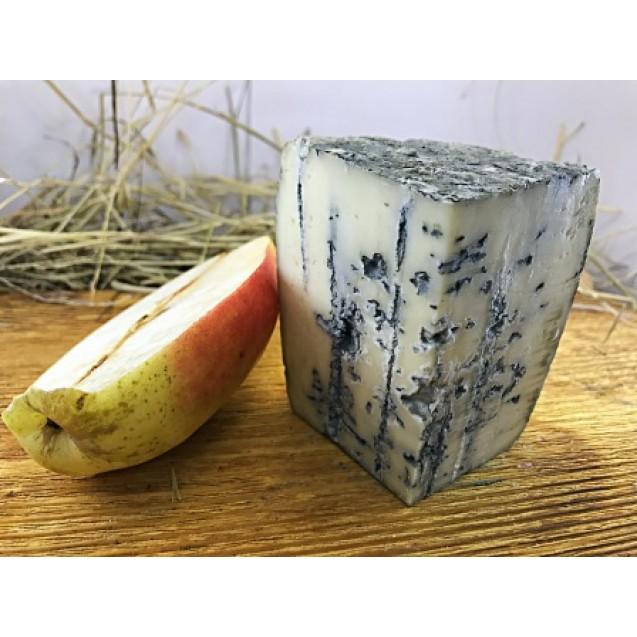 Сыр «Блю» из коровьего молока с голубой плесенью - 45% жирн.