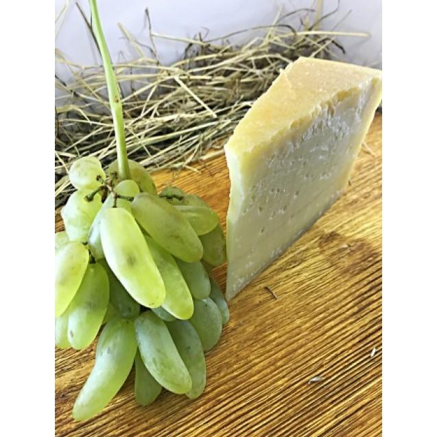 Сыр «Волоцкий» из коровьего молока, выдержка от 18 месяцев 45% жирн.